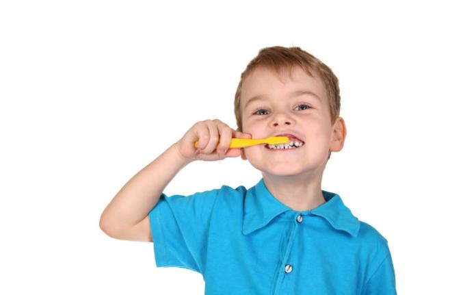 Как чистить ребенку зубы в 6-12 лет - Клиника Epion