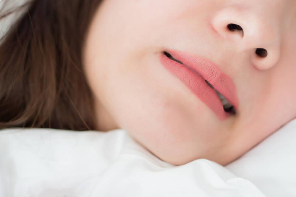 Почему ребенок скрипит зубами - Epion Dental Center